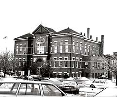 Vintage photo of former City Hall, 1986.